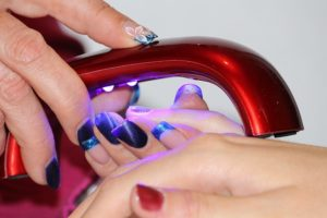 Drying Nails Faster Using A Uv Nail Dryer