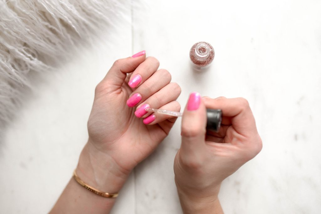 Best UV Light For Gel Nails This Year- 8 UV Lamps For Results In 2019